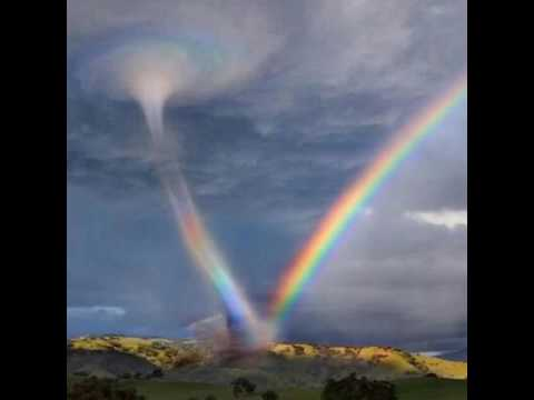 https://www.google.es/search?biw=1366&bih=577&tbm=isch&sa=1&ei=R_DFW47BJOWWgAbO_q7IAg&q=fenomenos+atmosfericos&oq=fenomenos+atmosfericos&gs_l=img.3..0l10.202967.211523.0.212476.24.13.0.7.7.0.377.1760.2-3j3.6.0....0...1c.1.64.img..11.13.1814.0..0i67k1.0.QuyiIM_JdaA#imgrc=bIU3E_BAgswoGM: